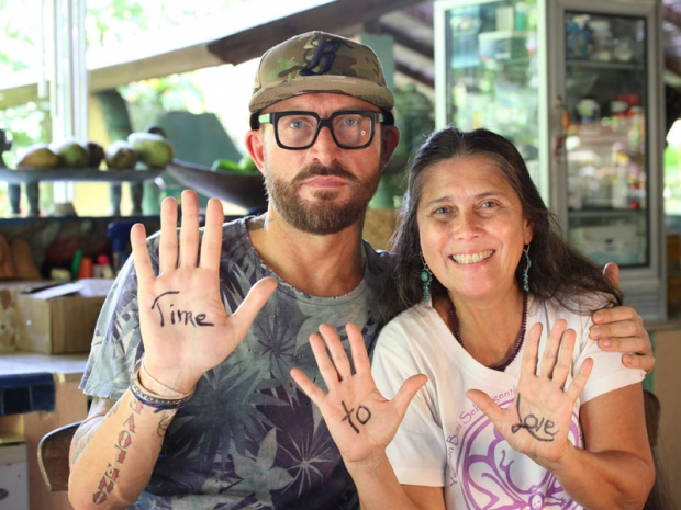 robin lim bumi sehat foundation fundraiser pregnant surfer